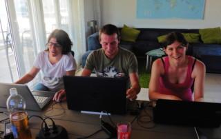 Sonja, Stefan und Claudia arbeiten an der neuen Page